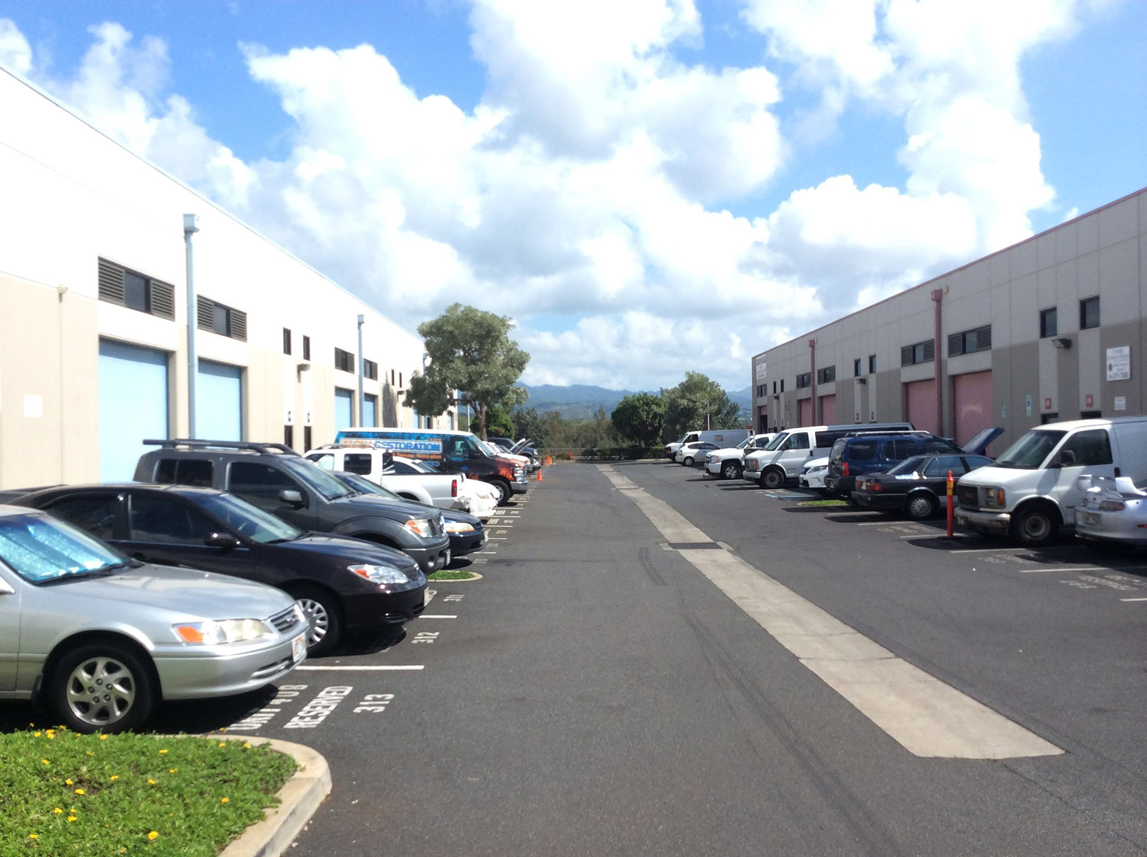 Waipio Business Center Waipahu, Hawaii